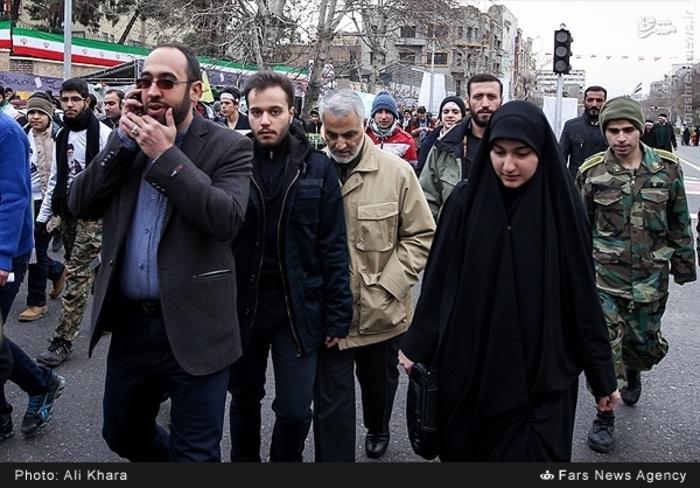 عکس/ حضور «حاج قاسم» در راهپیمایی ۲۲ بهمن