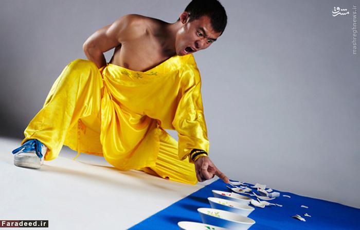 فن ویپنگ از چین،۱۰۲ کاسه را در یک برنامه تلویزیونی به نام در میلان ایتالیا با یک انگشت در یک دقیقه در ۱۱ آوریل ۲۰۰۹ شکست و این رکورد را از آن خود کرد.