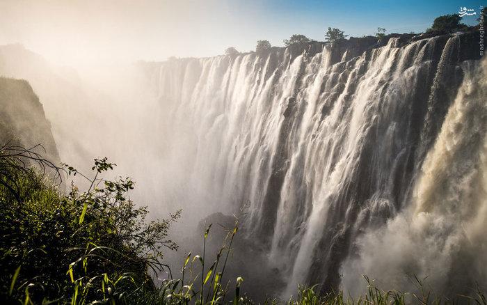 آبشار ویکتوریا در مرز زامبیا و زیمبابوه