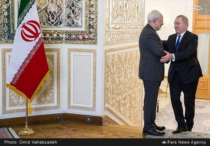 resized 1504132 411 عکس/ دیدار وزرای خارجه ایران و همچنین رومانی