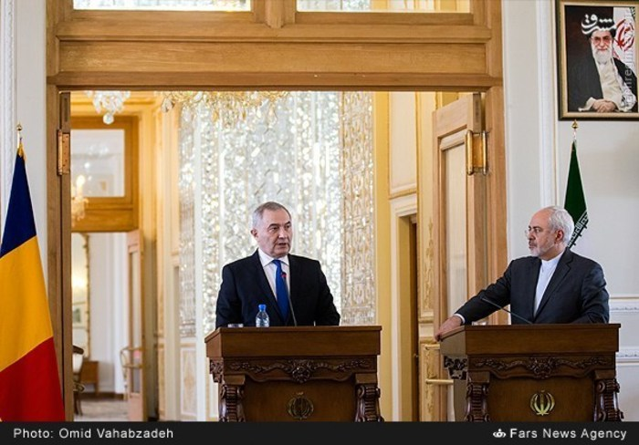 resized 1504151 824 عکس/ دیدار وزرای خارجه ایران و همچنین رومانی
