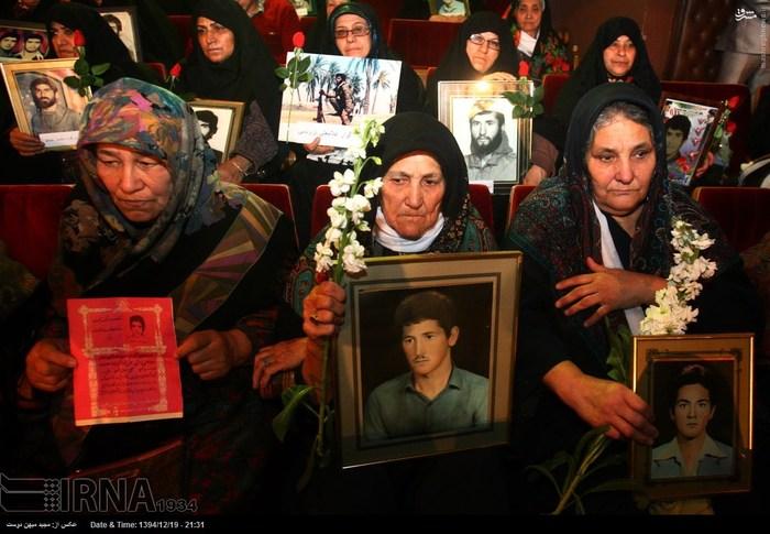 resized 1517272 331 عکس/ نکوداشت مادران و همچنین همسران شهدای گلستان