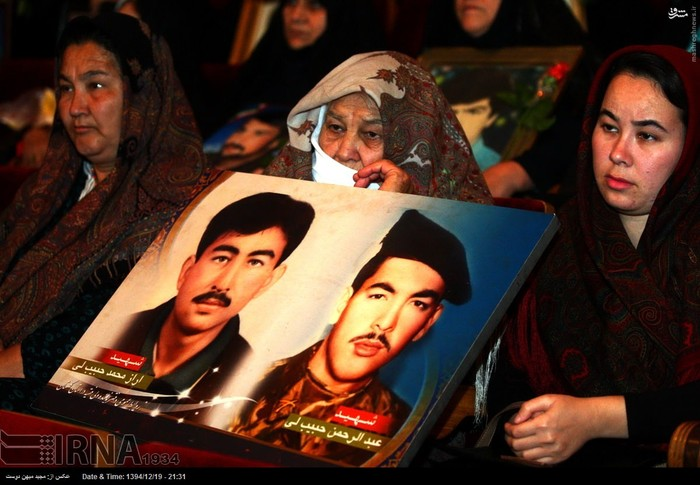 resized 1517278 900 عکس/ نکوداشت مادران و همچنین همسران شهدای گلستان