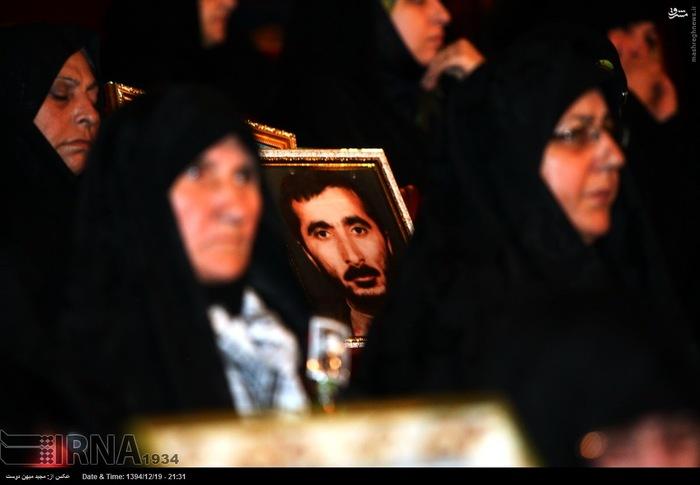 resized 1517282 558 عکس/ نکوداشت مادران و همچنین همسران شهدای گلستان