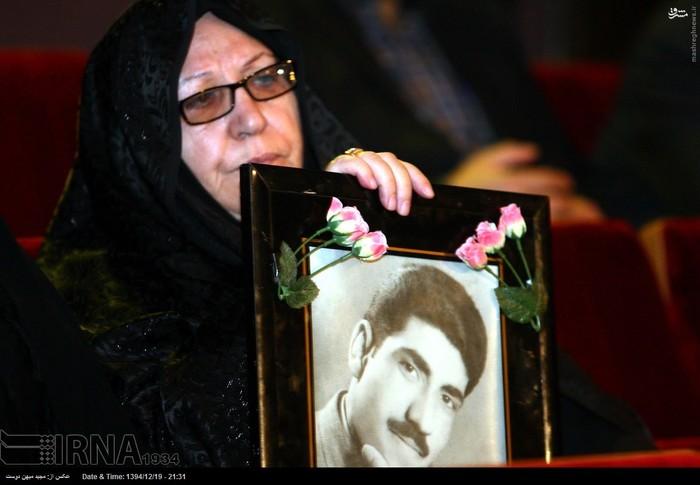 resized 1517283 191 عکس/ نکوداشت مادران و همچنین همسران شهدای گلستان