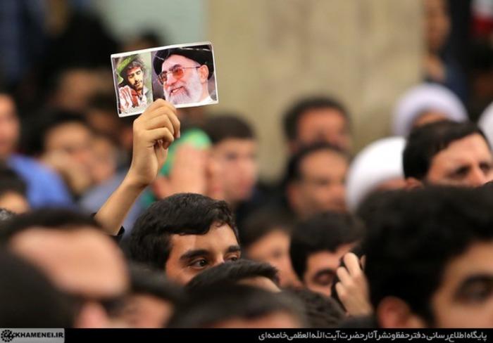 resized 1519648 205 عکس/ دومین شب عزاداری فاطمیه در محضر رهبر انقلاب