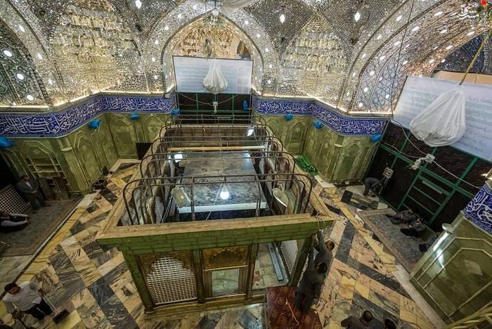 resized 1528411 989 عکس/ آماده سازی نصب ضریح جدید حضرت ابوالفضل العباس (ع)
