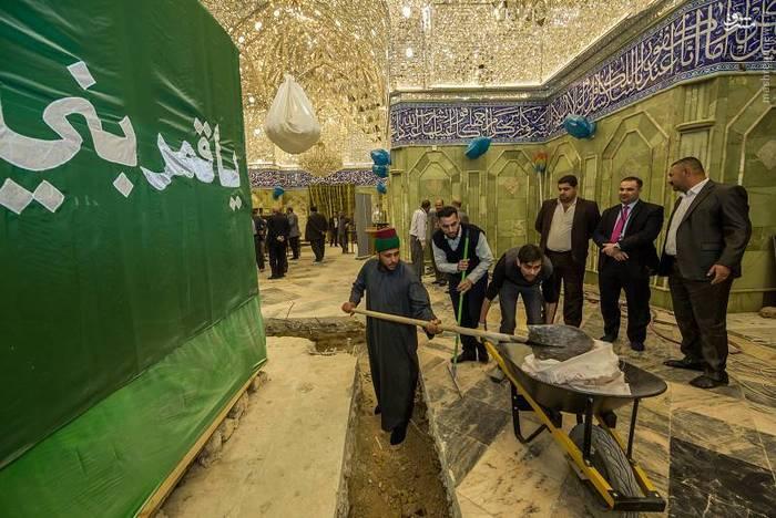 resized 1528428 661 عکس/ آماده سازی نصب ضریح جدید حضرت ابوالفضل العباس (ع)