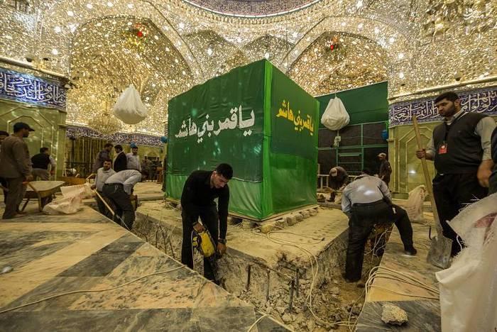resized 1528432 923 عکس/ آماده سازی نصب ضریح جدید حضرت ابوالفضل العباس (ع)