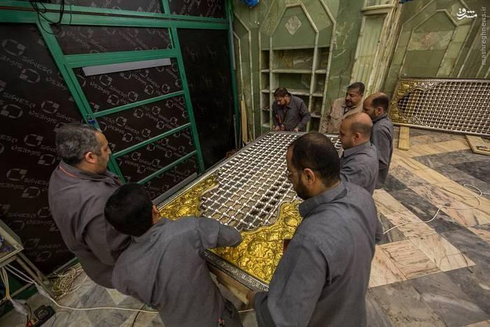 resized 1528438 776 عکس/ آماده سازی نصب ضریح جدید حضرت ابوالفضل العباس (ع)