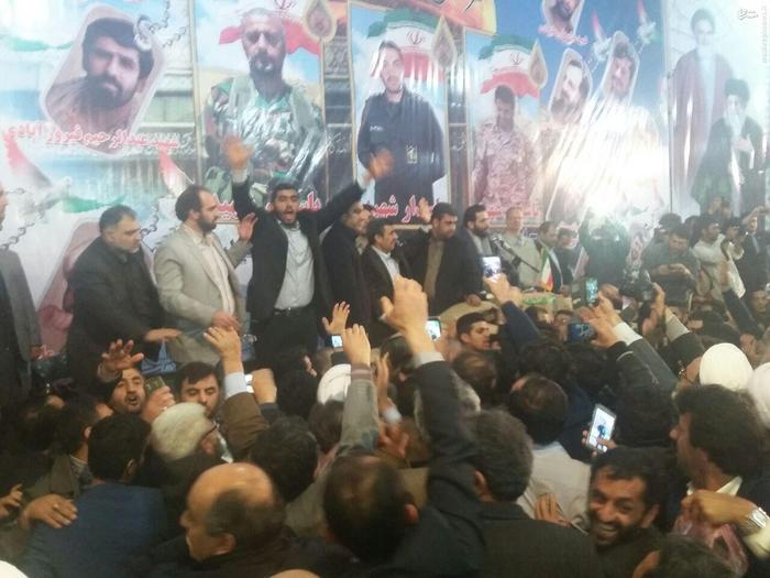 resized 1548935 319 عکس/ سفر احمدینژاد به آمل