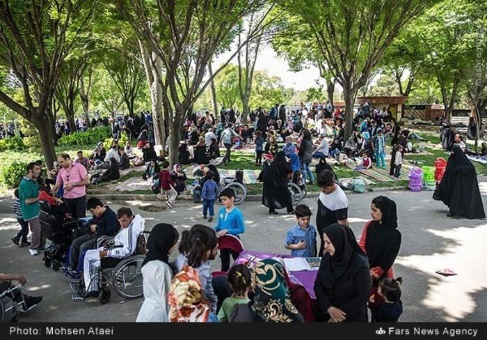 resized 1549000 491 عکس/ مراسم عیدانه معلولان