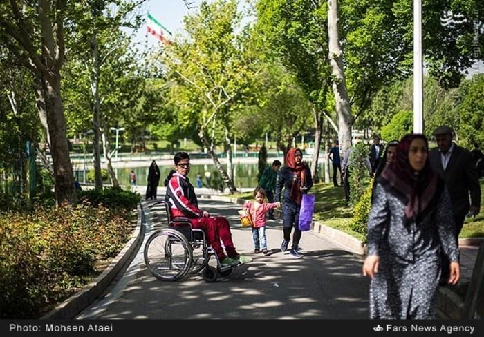 resized 1549007 568 عکس/ مراسم عیدانه معلولان
