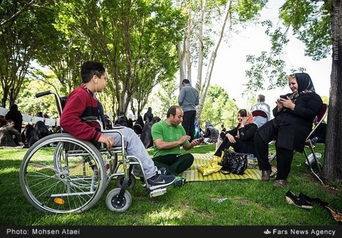 resized 1549010 910 عکس/ مراسم عیدانه معلولان