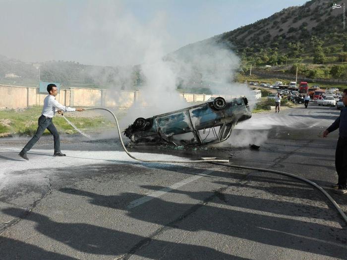عکس/ آتش سوزی یک پراید در محور ایلام