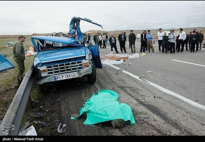 resized 1562191 146 عکس/  تصادف مرگبار کامیون با نیسان آبی