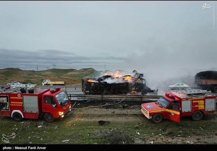 resized 1562192 329 عکس/  تصادف مرگبار کامیون با نیسان آبی