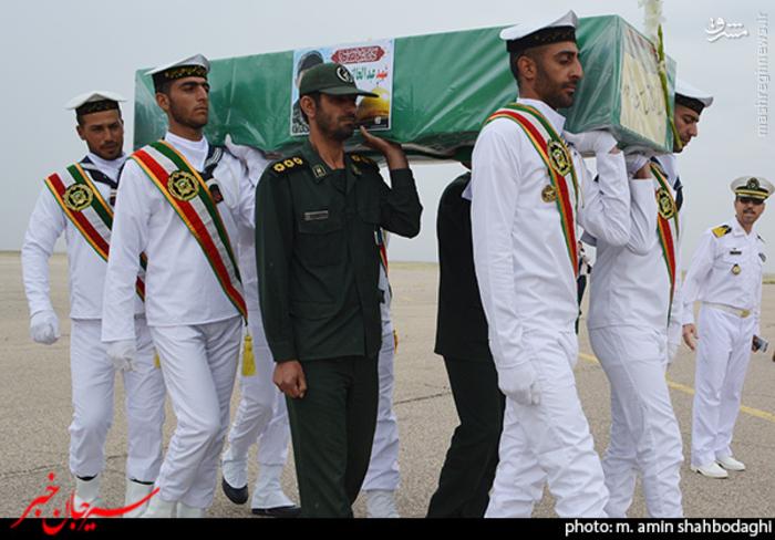 resized 1562217 725 عکس/ استقبال شهروندان و مردم شهر سیرجان از شهید مدافع حرم