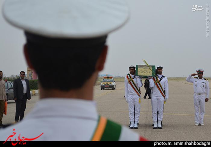resized 1562219 667 عکس/ استقبال شهروندان و مردم شهر سیرجان از شهید مدافع حرم