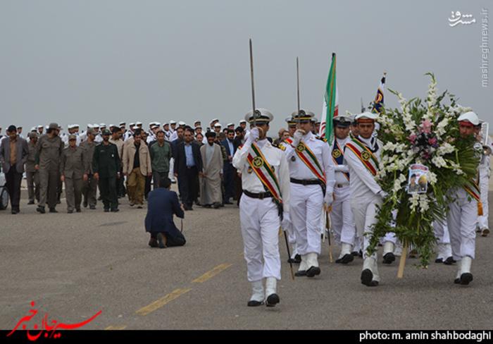 resized 1562220 208 عکس/ استقبال شهروندان و مردم شهر سیرجان از شهید مدافع حرم