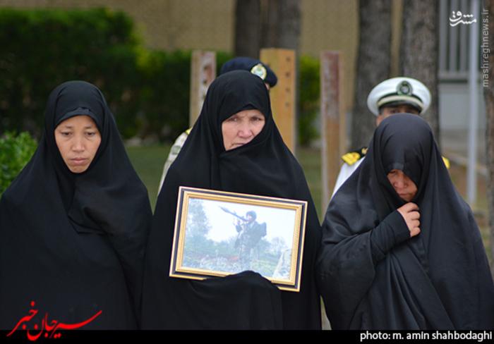 resized 1562221 230 عکس/ استقبال شهروندان و مردم شهر سیرجان از شهید مدافع حرم