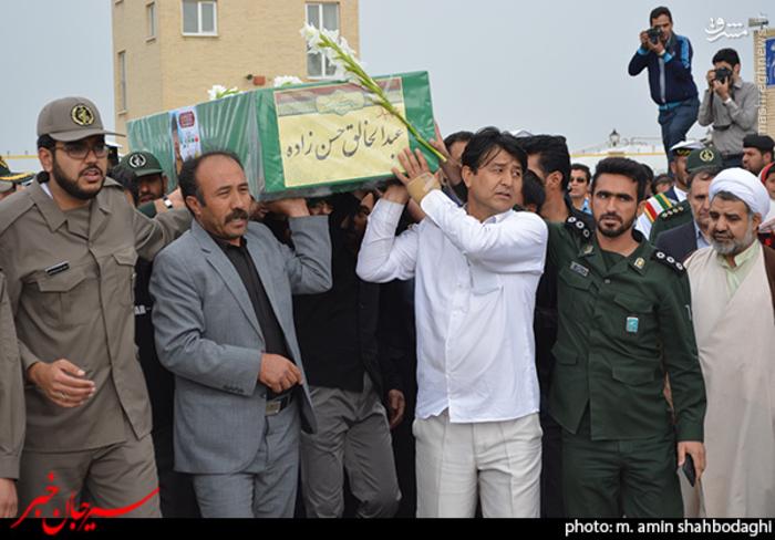resized 1562222 250 عکس/ استقبال شهروندان و مردم شهر سیرجان از شهید مدافع حرم