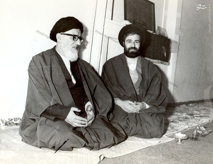 آیت الله طالقانی در منزل مرحوم حجت الاسلام سید احمد خمینی و در کنار وی در قم