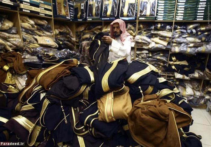 مغازه فروش لباس های عربی در بازار