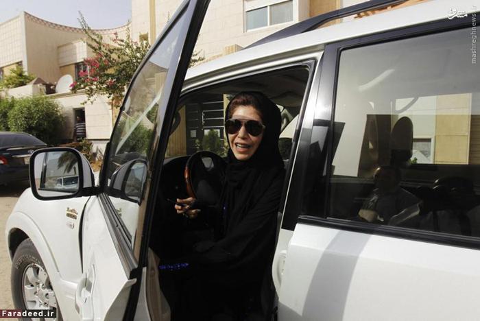عزا الشمسانی فعال زن پس از رانندگی در ریاض؛ اقدامی علیه ممنوعیت رانندگی زنان در این کشور