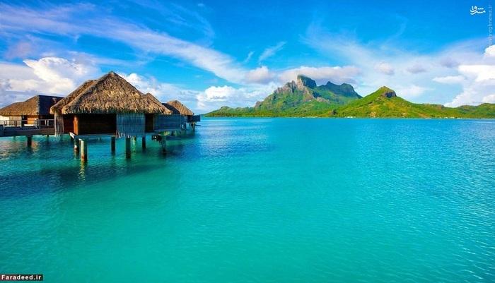 9. جزیره بورا بورا - پُلی نِزی فرانسه::::: پلی نزی فرانسه یکی از قلمروهای فرا دریایی فرانسه در بخش جنوبی اقیانوس آرام، جنوب جزایر کرولاین و شرق جزایر کوک است. این جزیره به سواحل سفید رنگ و تالابهای نیلگون خود مشهور است. دومین سال متوالی است که بورا بورا در فهرست 10 جزیره برتر قرار میگیرد.