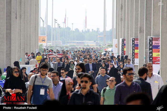 resized 1625100 474 عکس/ نهمین روز نمایشگاه بین المللی کتاب