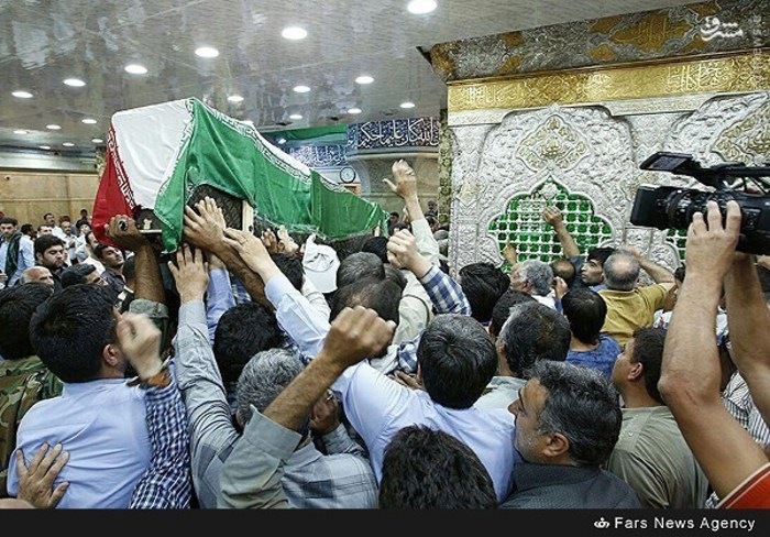 resized 1633506 528 عکس/ تشییع پیکر شهید بابایی در کربلا