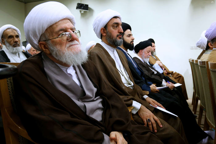 resized 1654746 291 عکس/ دیدار افراد مجلس خبرگان با رهبرانقلاب
