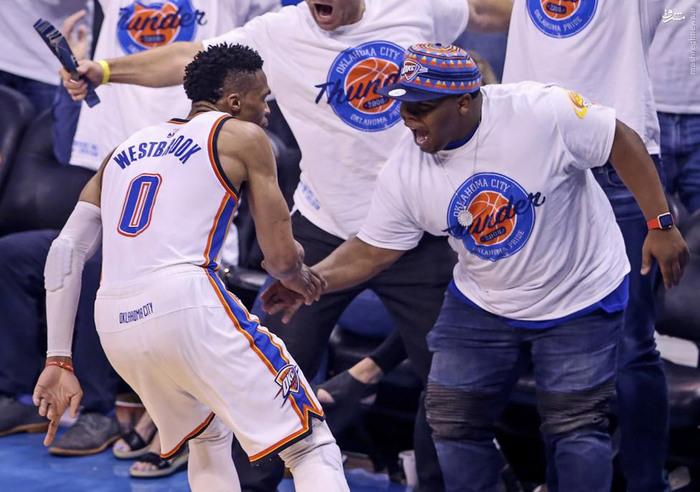 resized 1656005 503 عکس/ جذاب و دیدنیهای پلی آف NBA