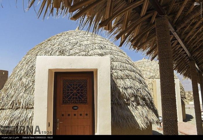 نخستین هتل با استفاده از مصالح کپر, هتل خاص کرمان,هتل جالب شهرستان قلعه گنج