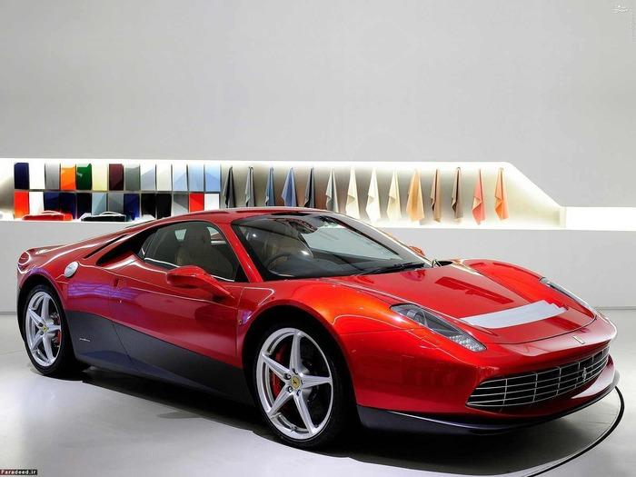 اوج شهرت فراری های سفارشی، در سال 2012 با ساخت مدل SP12EC اتفاق افتاد. ظاهر این خودرو در نوع خود جالب توجه است اما مالک آن بیش از هرچیز بر ارزش آن می افزاید. آقای اریک کلاپتون، نوازنده افسانه ای گیتار الکتریک، با پرداخت 4.7 میلیون دلار صاحب این خودروی تاریخی شد. خود او درباره ماشینش می گوید: