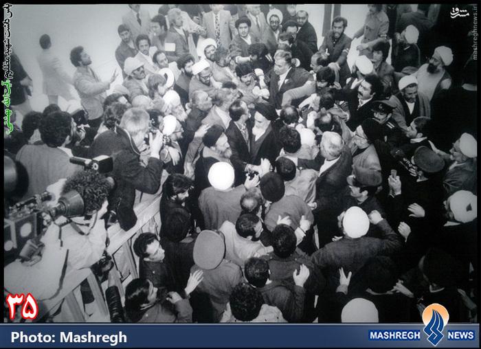 12 بهمن 1357 - فرودگاه مهرآباد- استقبال از «امام روح الله»