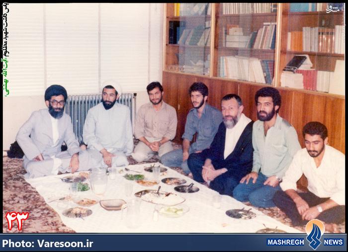 تعدادی سرانِ «حزب جمهوری اسلامی» بر یک سفره