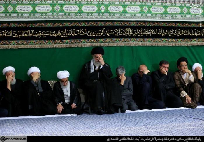 دومین شب عزاداری محرم در حسینیه امام خمینی(ره) +عکس
