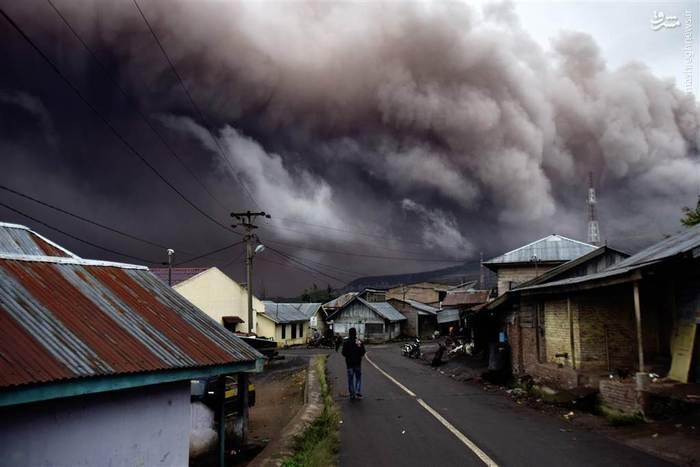 فعالیت آتشفشان سینابونگ در غرب اندونزی برای سومین بار پس از رخداد مشابه در سالهای 2010 و 2013 میلادی
