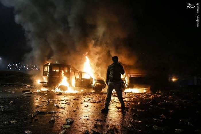 به خشونت کشیده شدن اعتراضات در جاکارتا نسبت به اظهارات فرماندار مسیحی پایتخت که استفاده تبلیغاتی رقبای مسلمان خود از آیات قرآن در آستانه برگزاری انتخابات را نادرست خوانده بود