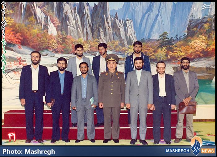 حسن طهرانی مقدم (ردیف دوم- نفر اول از چپ)- سفر هیات نظامی ایران به «کره شمالی» - شهید «حاج حسن شفیع» زاده نیز در عکس دیده می شود