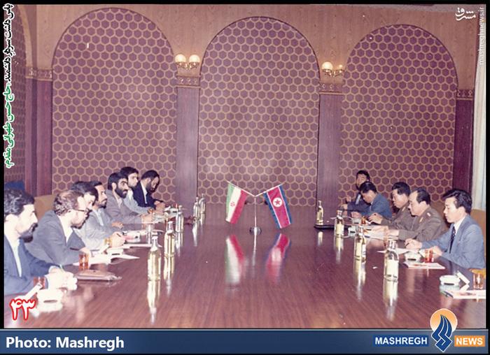 حسن طهرانی مقدم (ردیف سمت چپ)- سفر هیات نظامی ایران به «کره شمالی» - - شهید «حاج حسن شفیع» زاده نیز در عکس دیده می شود