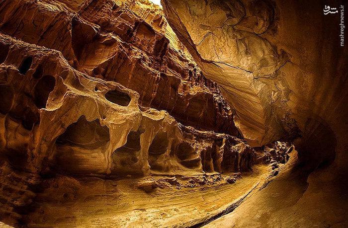 تنگه چاهکوه٬ دره چاهکوه در قشم٬ دره زیبا در قشم٬ عکس های تنگه چاهکوه٬ مناطق دیدنی قشم