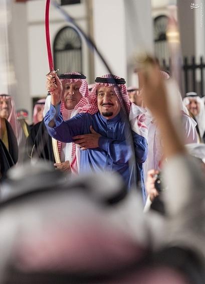 رقص شمشیر پادشاه عربستان و بحرین,جشن پادشاه عربستان,رقص ملک سلمان,رقص شمشیر پادشاه عربستان