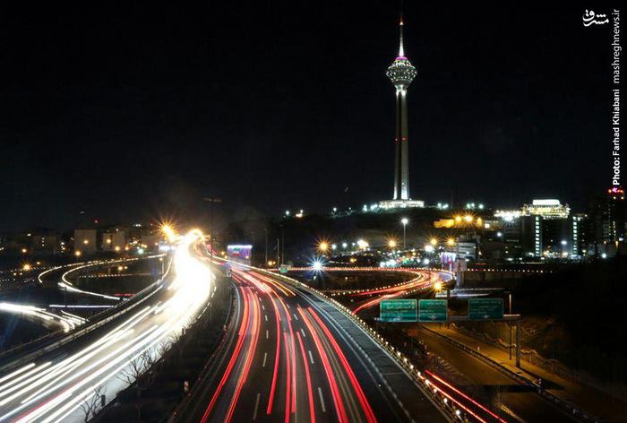نمایی زیبا از شب های برج میلاد