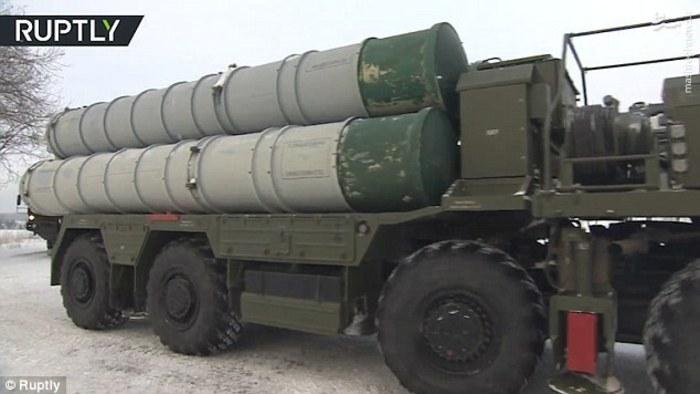 عکس/ روسیه سامانه اس-۴۰۰ مسکو را در حالت آمادهباش قرارداد