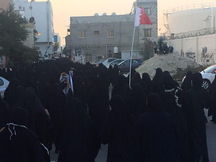 عکس/ شدت گرفتن درگیری ها در سومین روز بزرگداشت ۳ شهید بحرینی|2780839