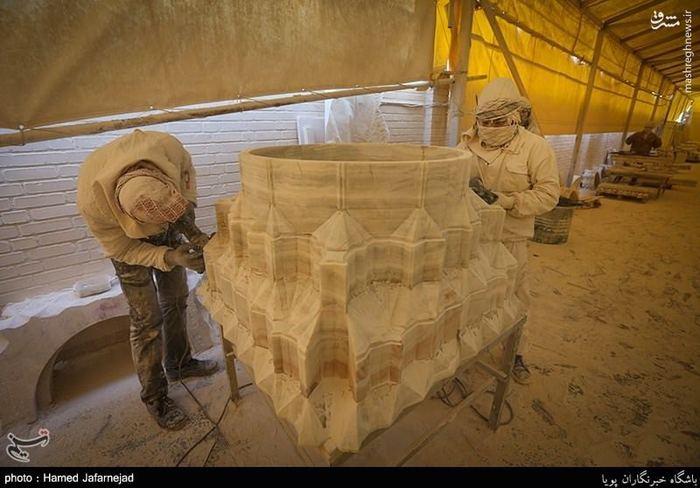 عکس/ ساخت سنگ های صحن حضرت زهرا(س)|2780893