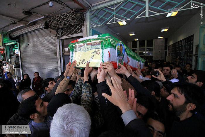 عکس/ تشییع شهید مدافع حرم محمود سالاری در حرم مطهر رضوی